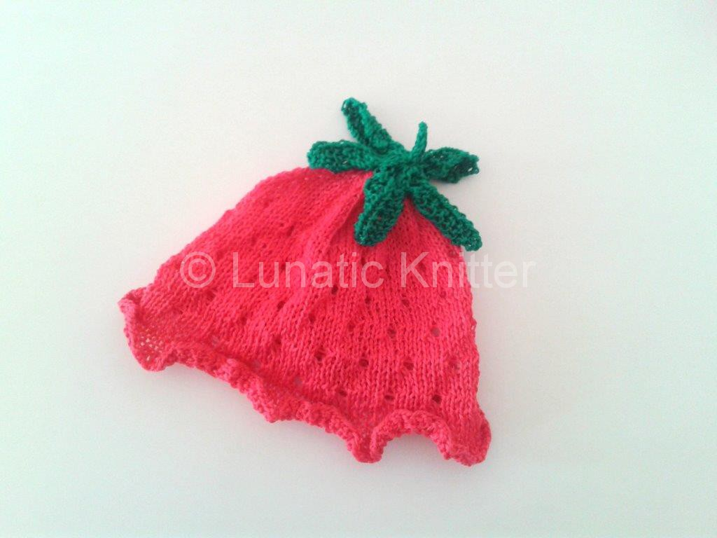 Strawberry Leaf Knitting Pattern : Knit Strawberry Hat Lunatic Knitter